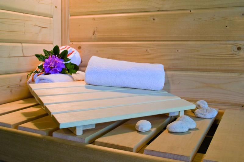 Karibu Sauna 68 mm Systemsauna Superior Alcinda ohne Saunaofen - Eckeinstieg - mit Dachkranz