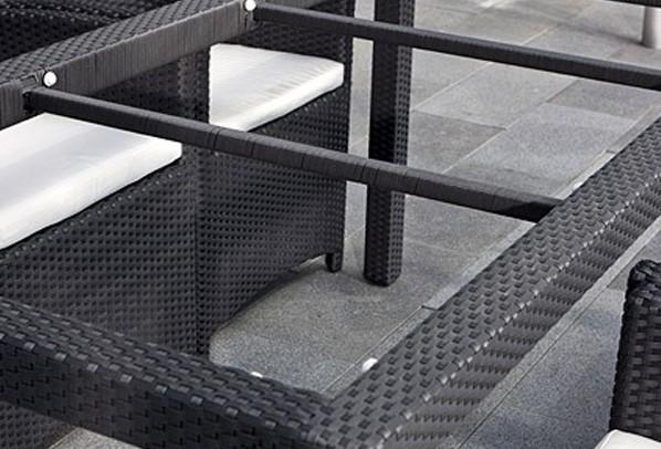Rattan Garten-Essgruppen Malaga Set 1 Esstisch 180 cm + 4 Stapelstühle - Farbe: dunkelbraun