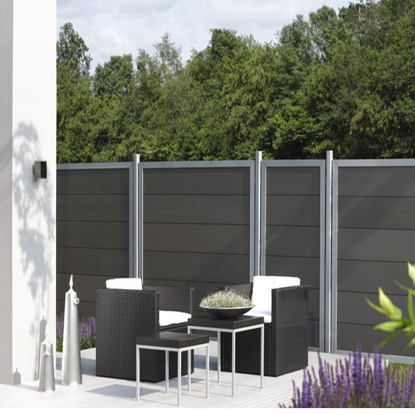 TraumGarten Sichtschutzzaun Design WPC Alu Tor anthrazit DIN links - 98 x 180cm
