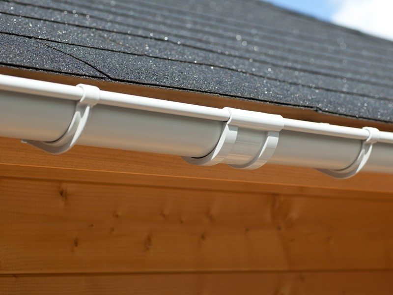 Karibu PVC Dachrinnen Set 2 inkl. Fallrohr und Verbindungsmaterial