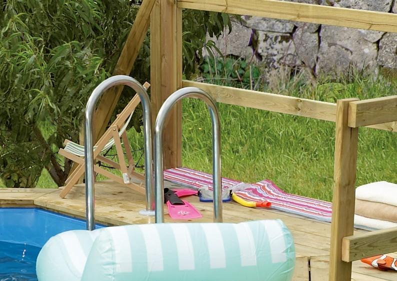 Karibu Holzpool Swimmingpool Variante D Ausstattung wie Variante C + Sonnenterrasse C inkl. Geländer, Seitenwände und Terrassendeck kdi