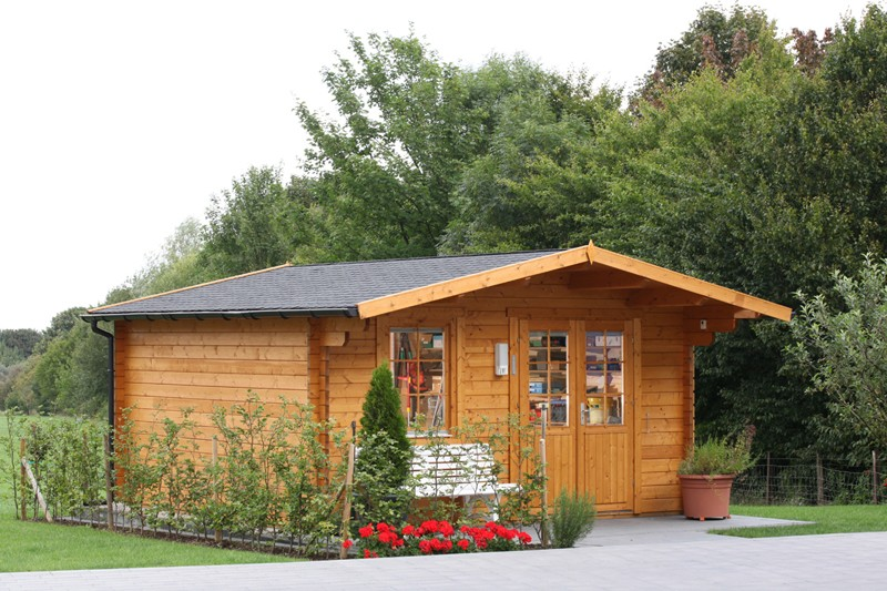 Wolff Finnhaus Holz-Gartenhaus Kim 44 mm B - Blockbohlenhaus XL (extra hohe Türe)