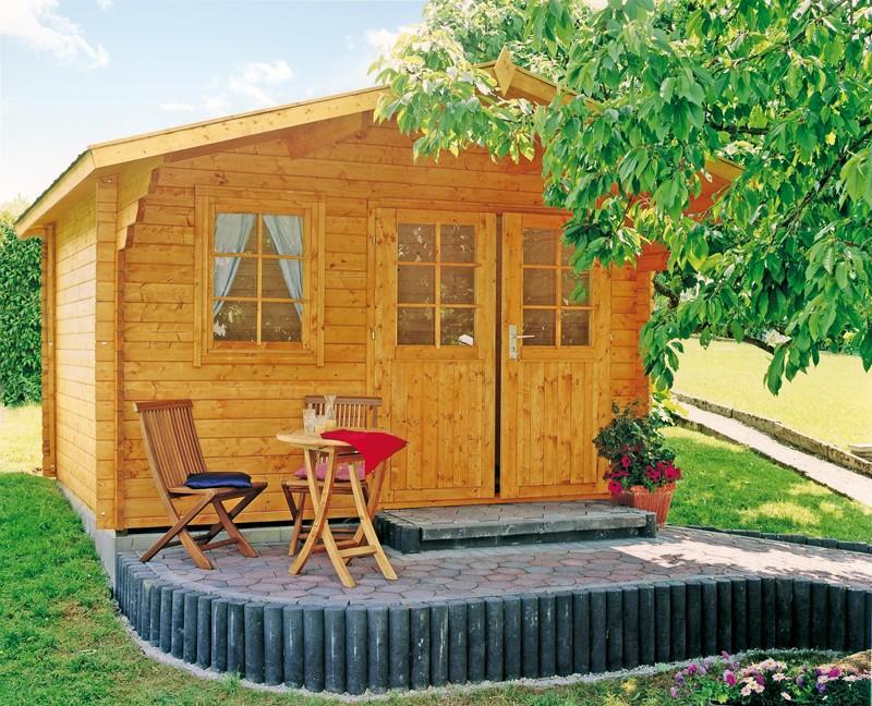 Wolff Finnhaus Holz-Gartenhaus mit Satteldach Lisa 44-A - 44 mm - Blockbohlenhaus XL (extra hohe Türe)