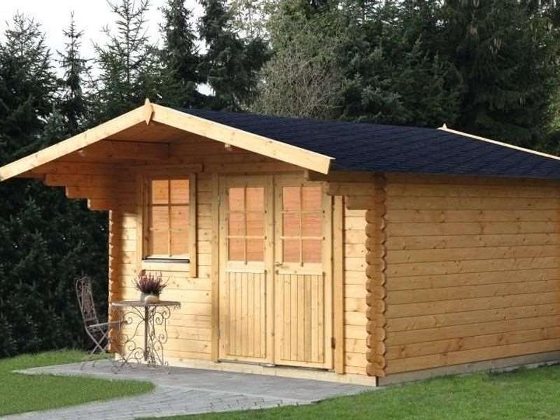 Wolff Finnhaus Holz-Gartenhaus mit Satteldach Lisa 44-C - 44 mm - Blockbohlenhaus XL (extra hohe Türe)