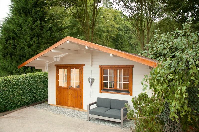 Wolff Finnhaus Holz-Gartenhaus Ferienhaus mit Satteldach Lappland 70- B XL (extra hohe Türe) - 70 mm Blockbohlen