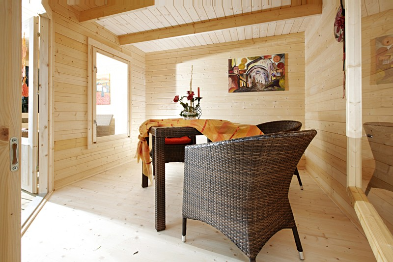 Wolff Finnhaus Holz-Gartenhaus Flachdachhaus Maja 40-B/1 - 40 mm - mit Terrasse 350