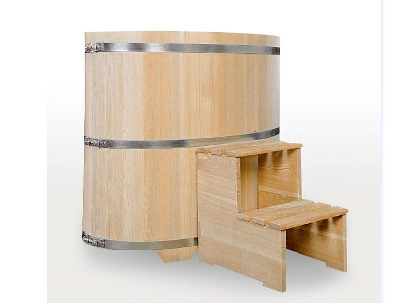 Sauna Tauchbecken aus Lärchenholz außen natur innen farblose Beschichtung